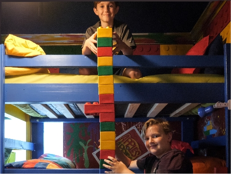 Play with giant Lego at Great Escape - the game house !
