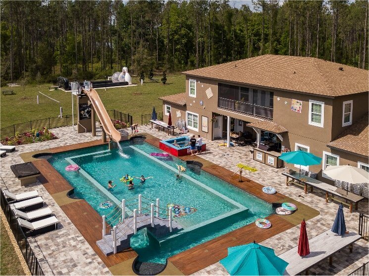 Huge swimming pool at Orlando, Florida area vacation rental home